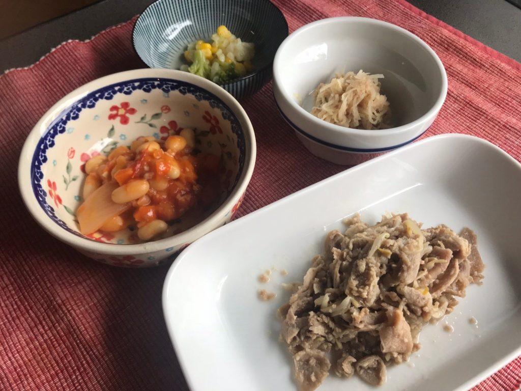 豚の生姜焼き弁当調理済み皿盛