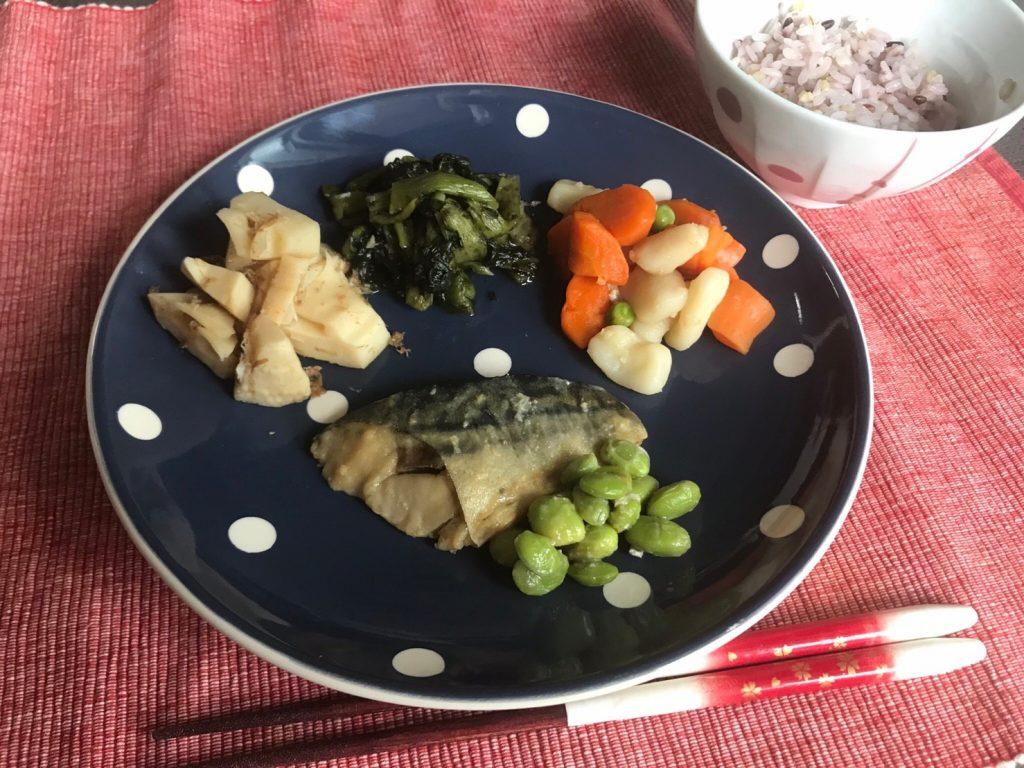 サバの味噌煮弁当プレート盛